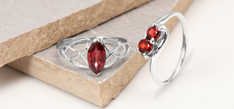 Garnet – January birthstone rings